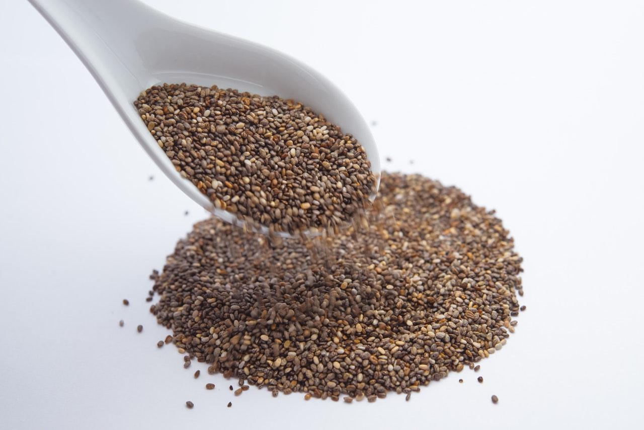 Nasiona chia – właściwości, zastosowanie oraz przeciwwskazania